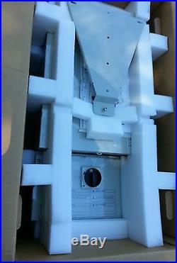 PV powered 2000 watt solar inverter 240 volt grid tie